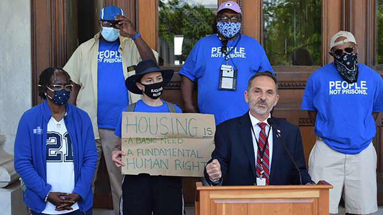 Rep. Yaccarino Advocates to End Homelessness