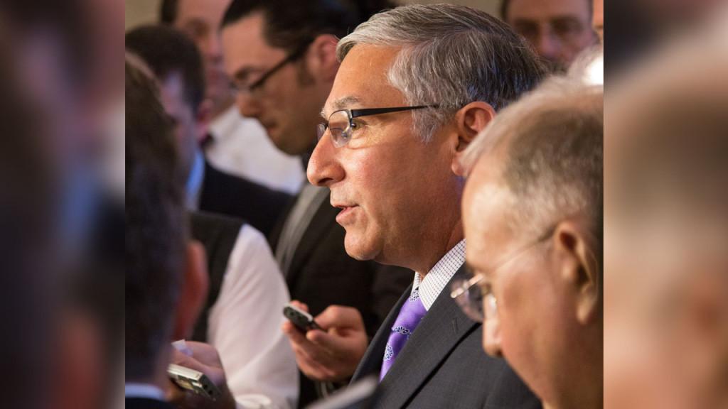 Senator Fasano and Senator Looney address the press before the Senate vote on the bipartisan plan.
